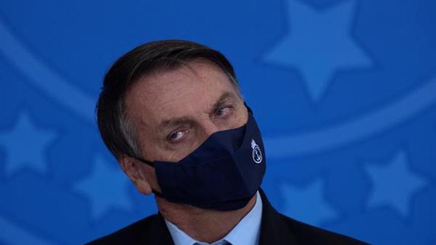 Bolsonaro cambia a seis ministros y a los jefes de las tres Fuerzas Armadas de Brasil