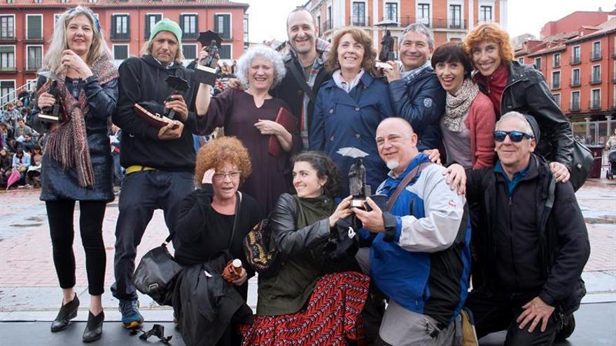 Fin de la función pasado por agua del Festival de Teatro y Artes de Calle de Valladolid