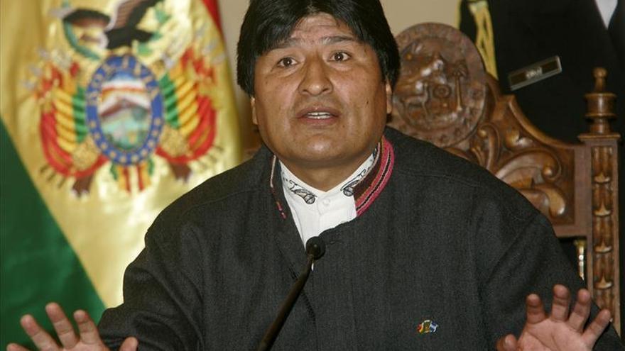 Animalistas denunciarán el uso de un perro en la campaña contra la reelección de Evo Morales