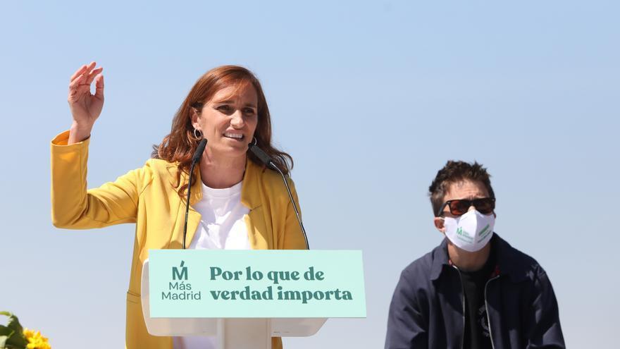 Mónica García e Íñigo Errejón en el mitin del domingo en Vallecas.