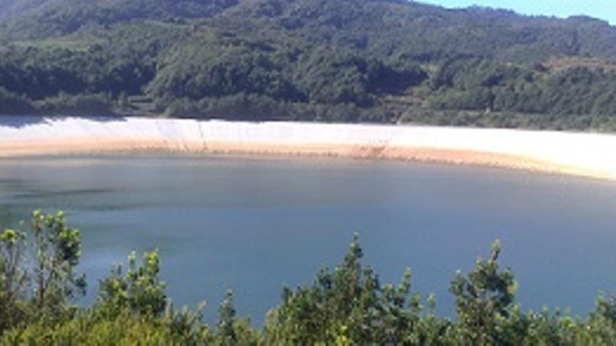 Los drenes detectan la zona de la fisura de La Laguna