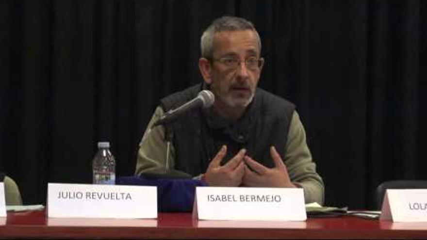 Gregorio Abascal en una conferencia ofrecida  en Cabezón de la Sal. / foto de Podemos