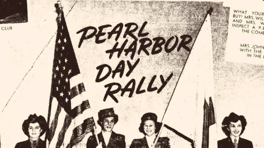 La sargento Beatrice Mendiola (a la derecha) en la reunión del Día de Pearl Harbor en Cleveland (Cleveland Plain Dealer, 22 de junio de 1944).