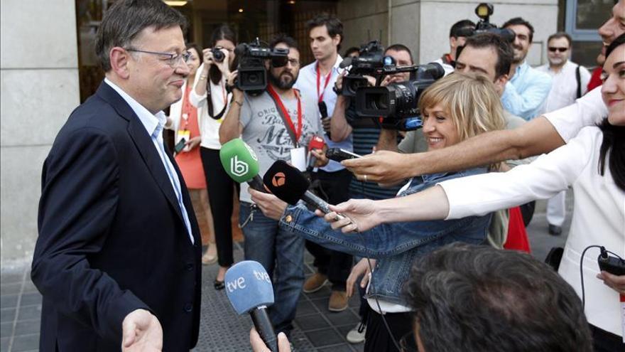 El Sondeo del Consell da 49 escaños a PP y C's, y 50 a PSPV, Compromís y Podemos