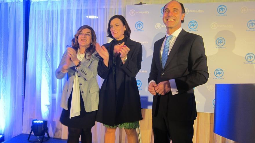 """Diego llama al optimismo del PP para que 2017 sea un """"acelerador del crecimiento"""" del partido"""