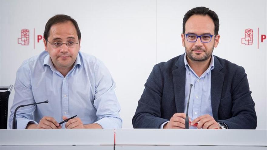 """El PSOE pide a Rajoy que """"retire"""" a Cañete del cargo de comisario europeo"""