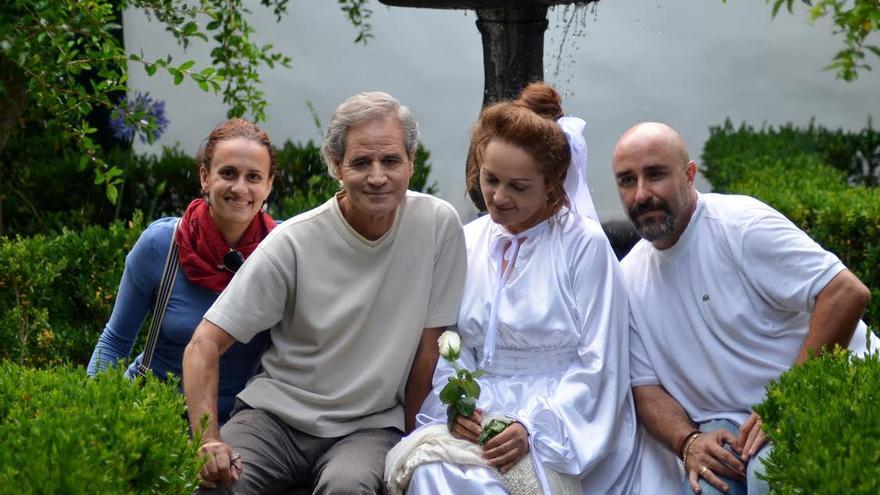 De izquierda a derecha, Sandra Lorenzo, Luis Morera, Carmen Rosa Mendoza y Ginés Lao en la Quinta Verde. Foto: KAROLINA BAZYDLO