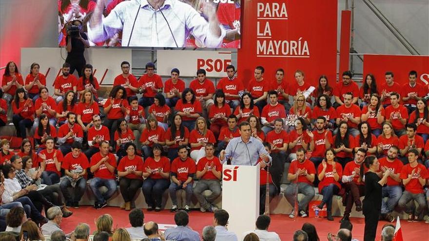 """Sánchez dice que el PSOE """"no es lo mismo"""" que PP porque actúa con """"ejemplaridad"""""""