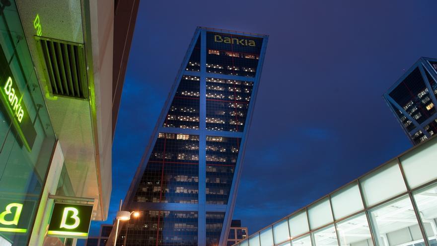 Bankia plantea prejubilaciones desde 57 años y mantiene el ajuste en 2.510 empleados por la fusión con BMN