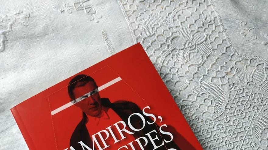 """""""Vampiros, príncipes del abismo"""", una biblia del vampirismo"""