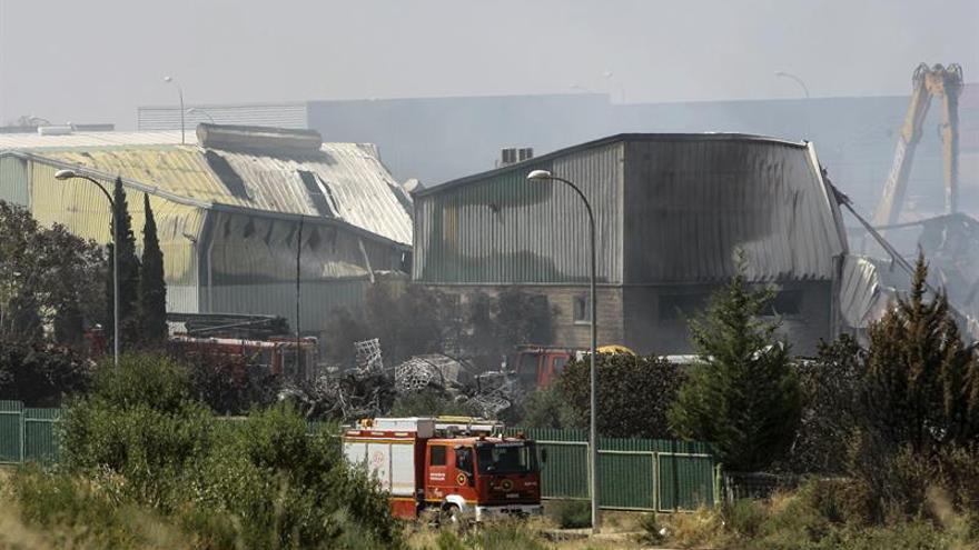Tareas de extinción del incendio de Chiloeches