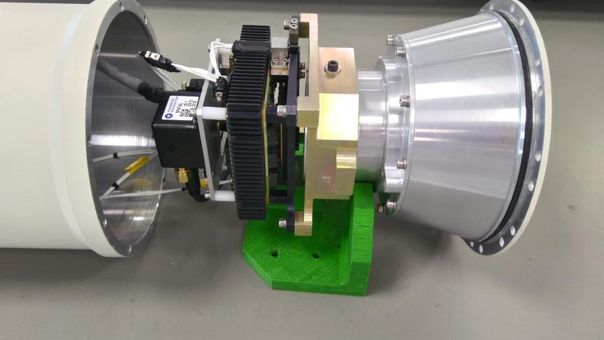 Detalle de la cámara térmica que emplea el sistema de detección automática de náufragos Albatross.