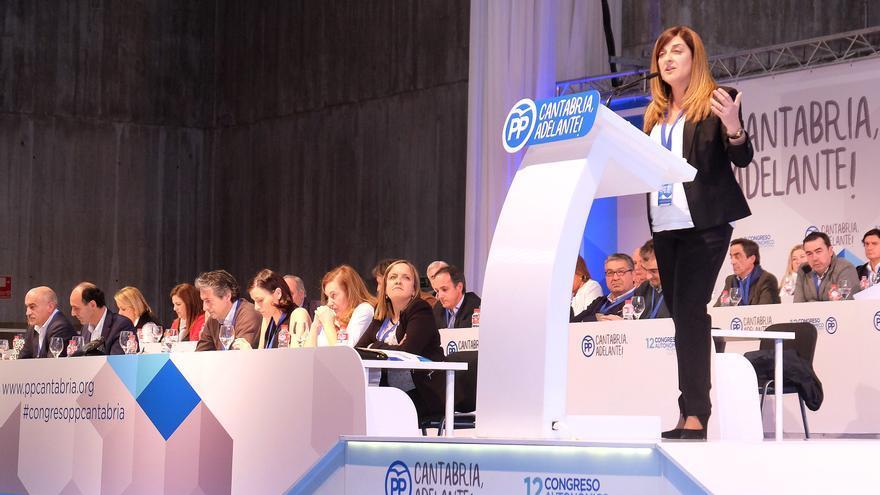 María José Sáenz de Buruaga durante su intervención en el Congreso Regional de PP de Cantabria.