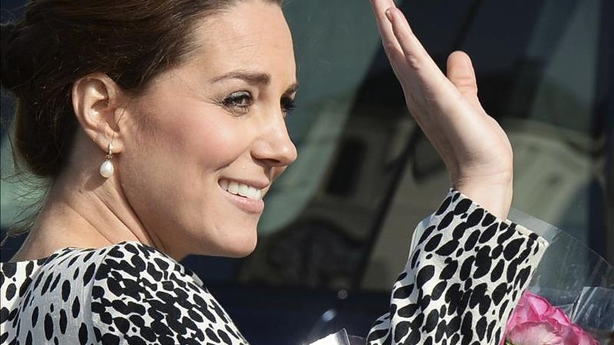"""La duquesa de Cambridge visita el plató de """"Downton Abbey"""""""