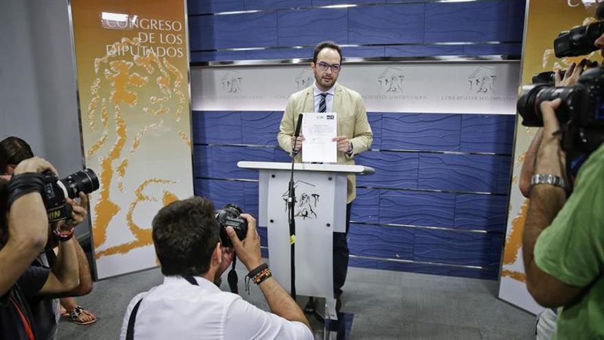 """El PSOE: """"Sánchez no está pensando en un gobierno de nada"""""""
