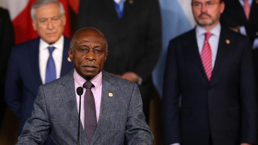 En la imagen, Carl Greenidge, representante de la República de Guyana en el caso ante la Corte Internacional de Justicia (CIJ) por la disputa fronteriza con Venezuela.
