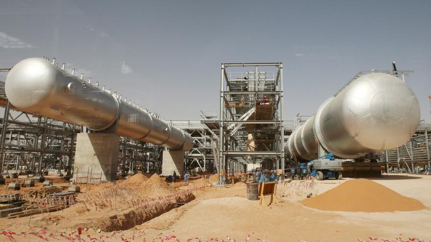El beneficio de Aramco aumenta un 30 % tras un año de crisis petrolera