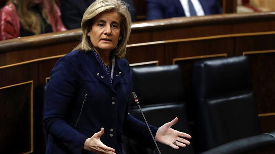 El PSOE pide aumentar el 5 % el número de inspectores y que Báñez vaya al Congreso