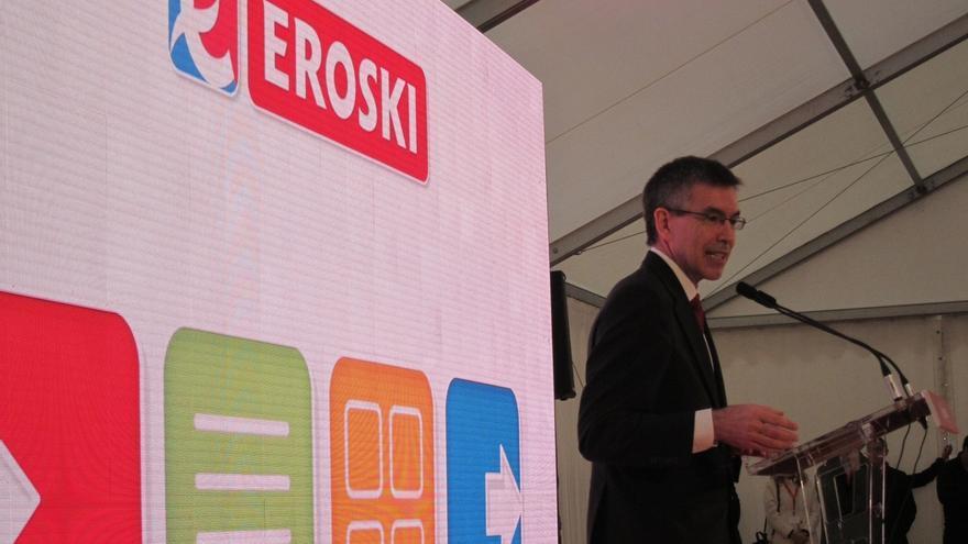 Eroski se marca por objetivo reducir su deuda entre 300 y 400 millones en cinco años por lo que moderará sus inversiones