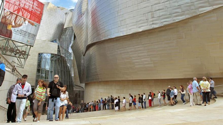 Guggenheim Bilbao supera su récord de visitas en julio y agosto, con 322.247