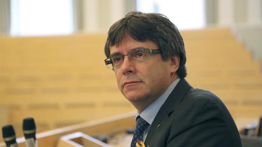 La policía alemana retiene a Puigdemont cuando entraba desde Dinamarca