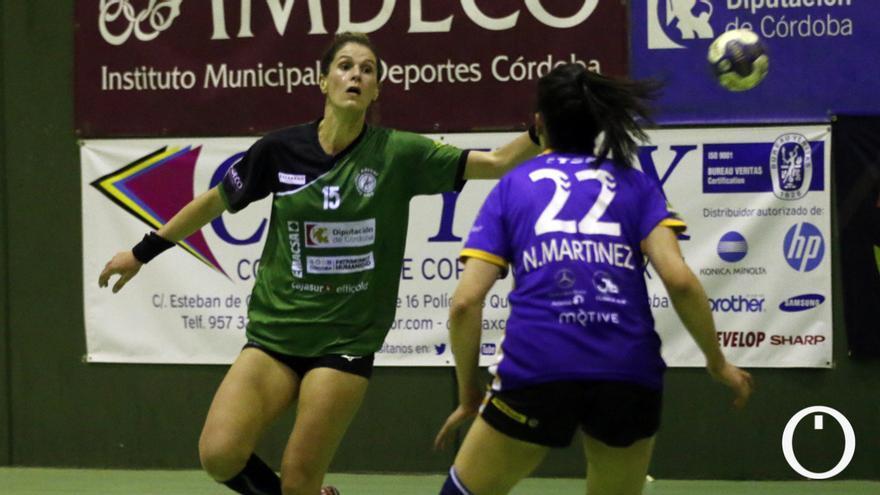 Agus López, ante el Liberbank Gijón en el partido de ida.