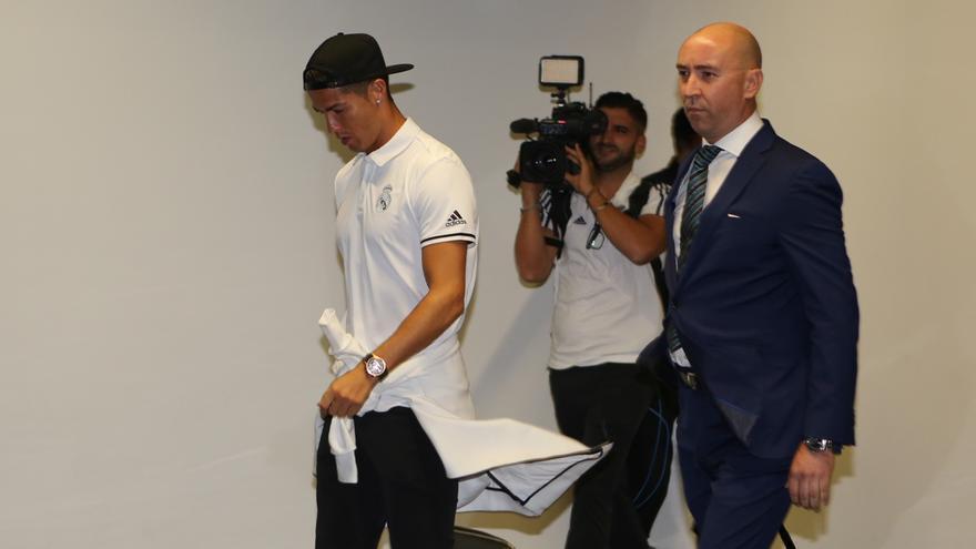 Cristiano Ronaldo a su llegada a Gran Canaria (Alejandro Ramos)