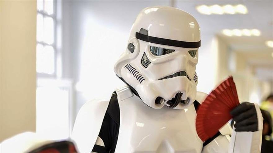 """El desfile de las """"tropas imperiales"""" de Darth Vader colapsa Bilbao"""