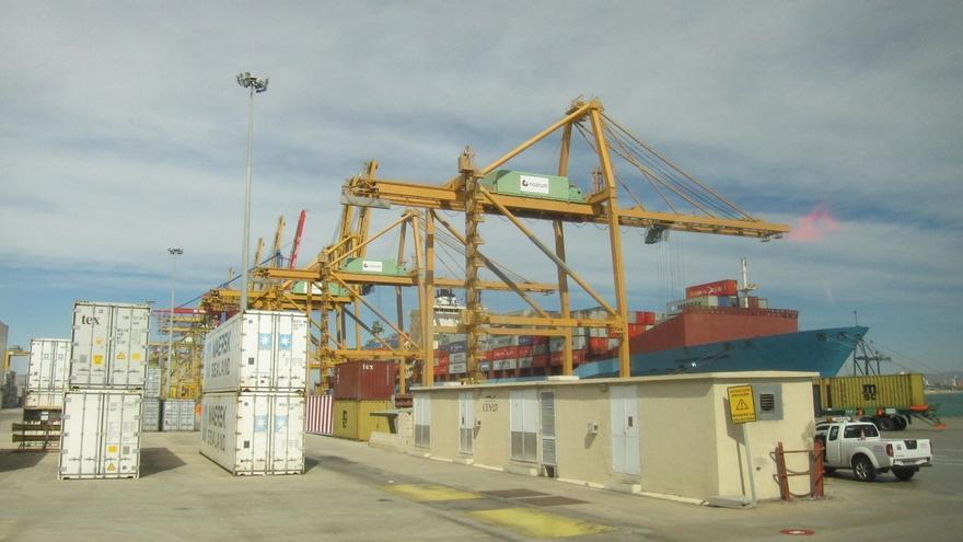 El Puerto de Valencia registra un seguimiento del paro de la estiba de casi el 100%