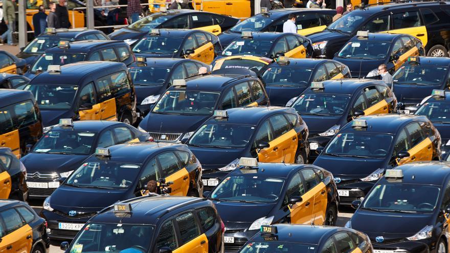 """Élite Taxi prepara movilizaciones en 15 días por los """"incumplimientos"""" de VTC"""