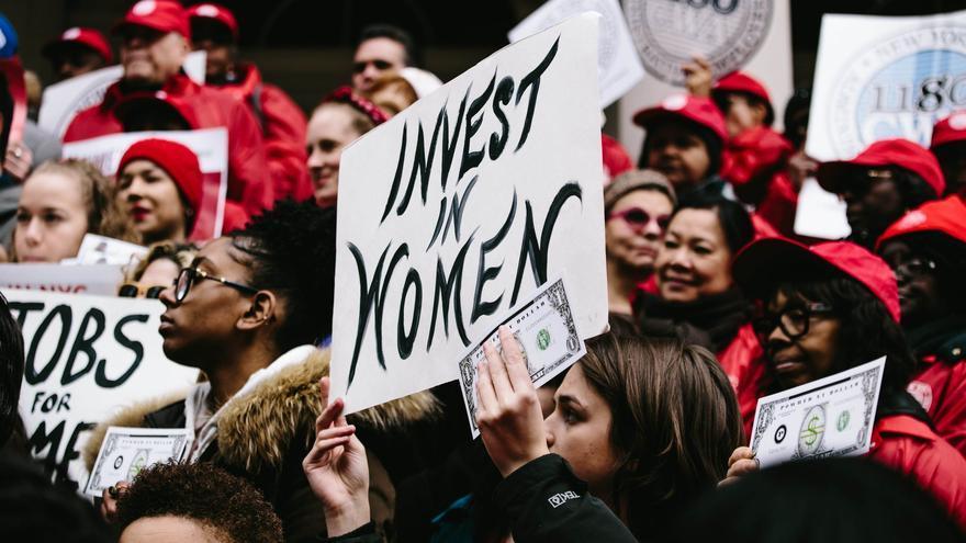 """Protesta por la igualdad salarial en Nueva York durante el """"Equal Pay Day"""" en 2018"""