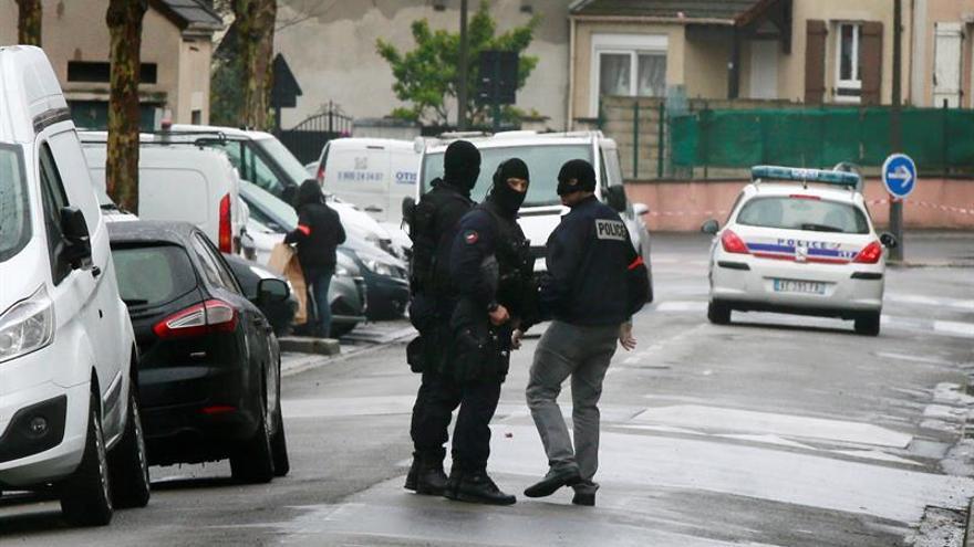 Tres hombres arrestados en Francia sospechosos de tener un plan para atentar