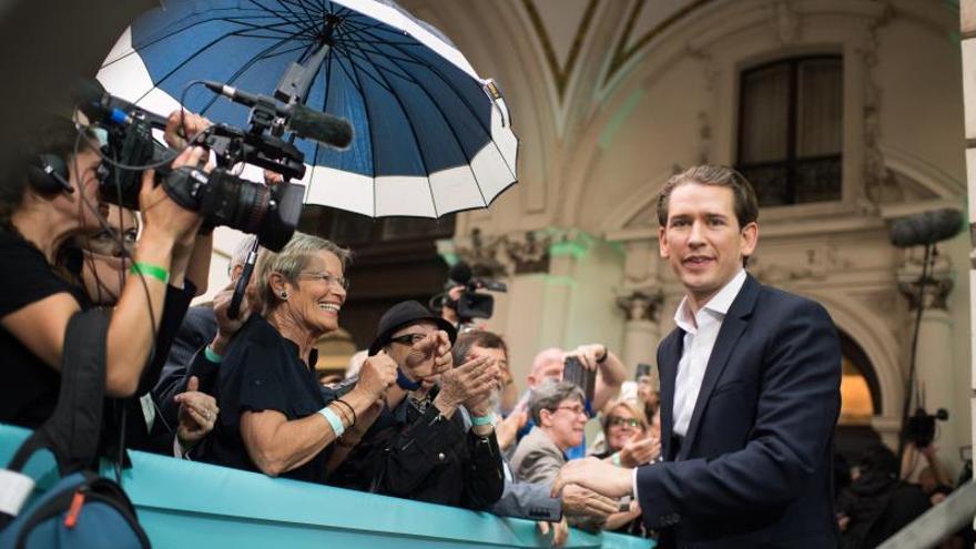 El canciller austriaco, Sebastian Kurz, a su llegada este domingo al colegio electoral en el que depositó su voto para las elecciones europeas