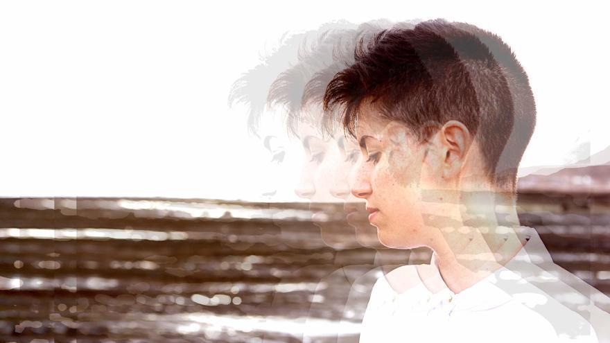 Hara Alonso es pianista y compositora leonesa afincada en las Palmas de Gran Canaria.