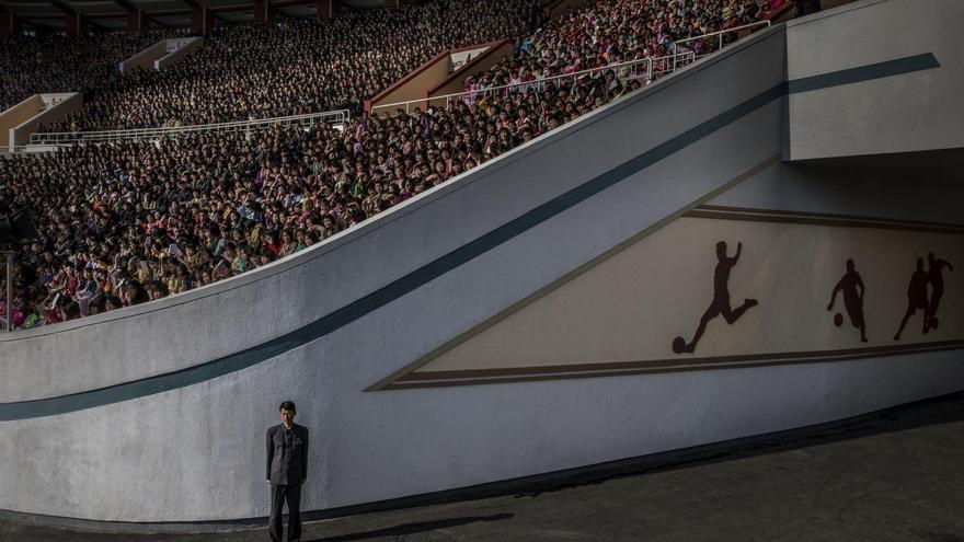 'North Korea' | Roger Turesson