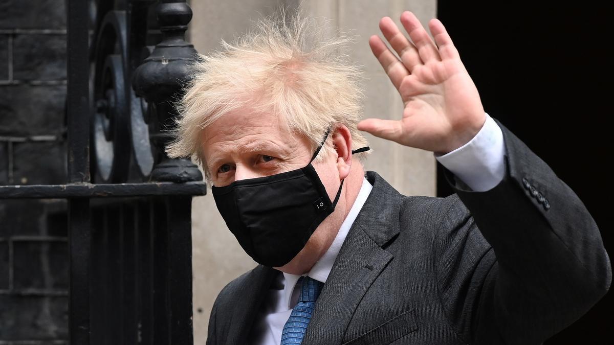 El primer ministro británico, Boris Johnson, a la salida de Downing Street.