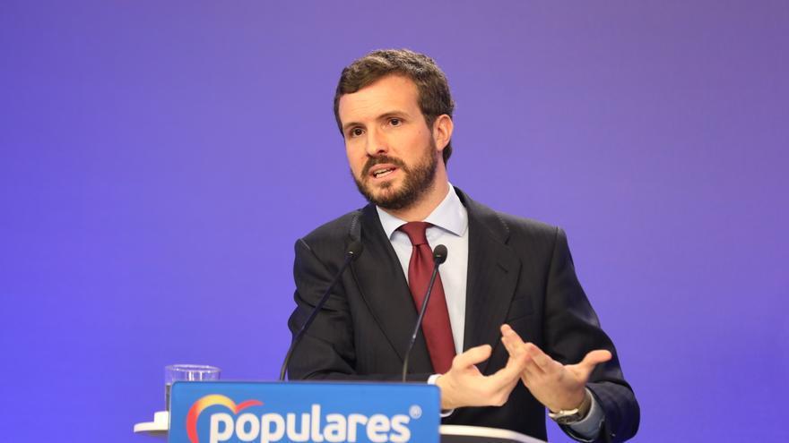 El presidente del Partido Popular, Pablo Casado, interviene en una rueda de prensa convocada ante los medio, en la sede de Partido Popular ubicado en la calle de Génova, Madrid (España), a 9 de marzo de 2020.