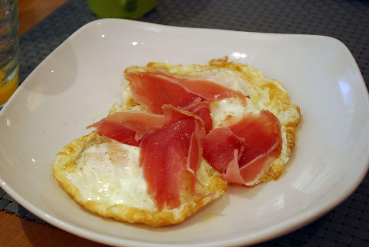 Noviembre_Huevos fritos con jamón ibérico_Malasaña a mordiscos