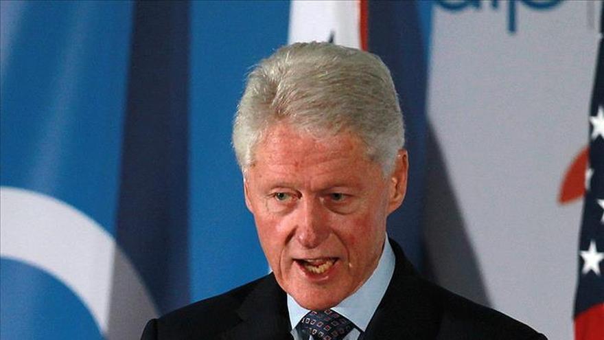 Bill Clinton aboga por sociedad inclusiva en foro para África y Oriente Medio