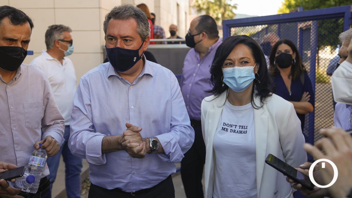 Juan Espadas mantiene un encuentro con los representantes de agrupaciones locales del PSOE de Córdoba
