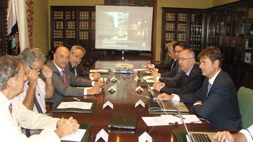 Reunión de la comisión mixta Gobierno-TSJC.