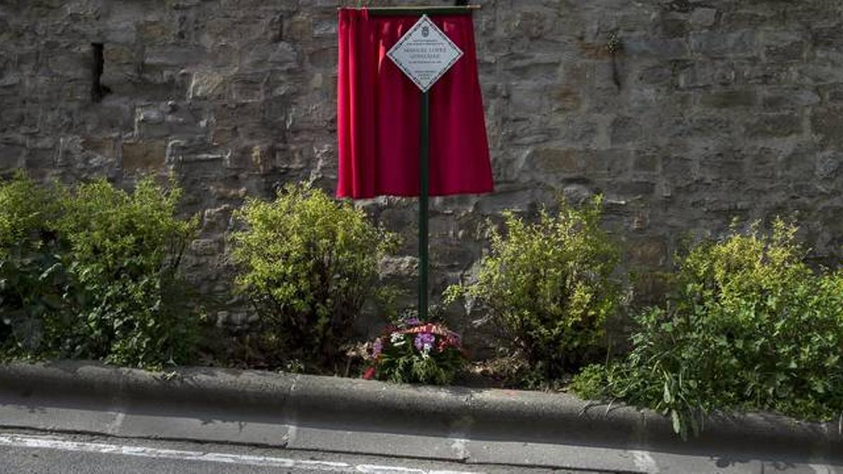 Cinco nuevas placas en Pamplona en recuerdo de víctimas de ETA