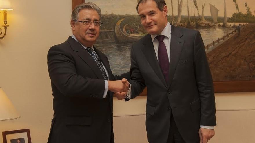 Zoido pide al director de Frontex más medios contra la inmigración irregular y elevar el número de retornados