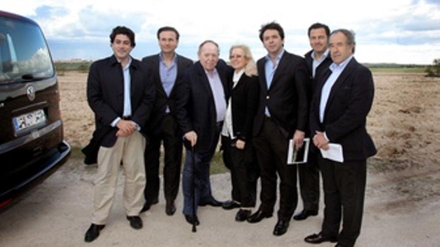 El Magnate Sheldon Adelson Visita Los Terrenos En Alcorcón