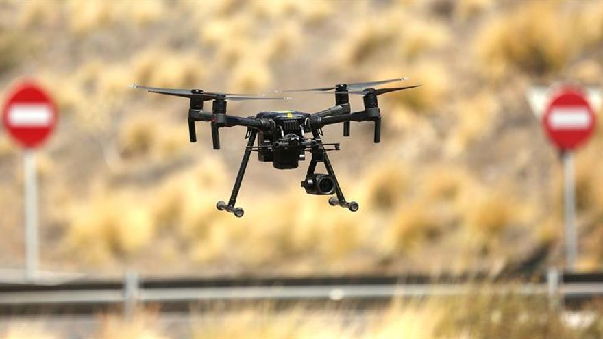 Drones vuelan los cielos de Tenerife para detectar infracciones de tráfico