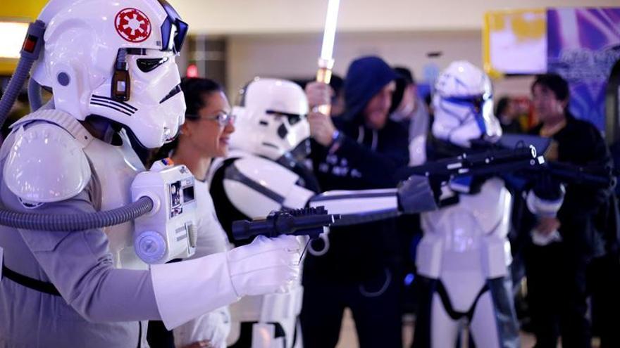 """Llega la Navidad a los cines con """"Star Wars: Los últimos Jedi"""""""