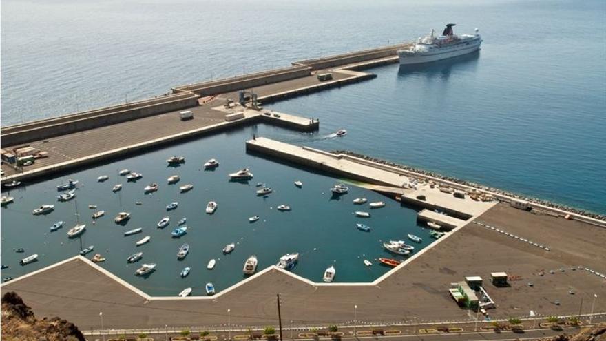 Puerto de La Estaca en El Hierro.