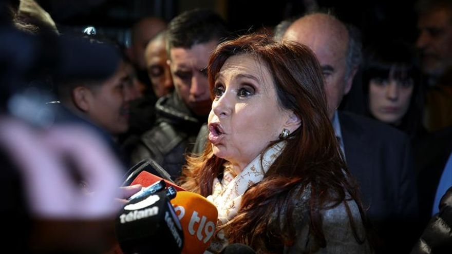 """Cristina Fernández acusa al Gobierno de """"atacar a los que ya no están"""""""