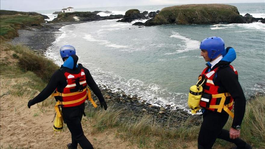 Salvamento Marítimo reanuda la búsqueda de los desaparecidos en Valdoviño