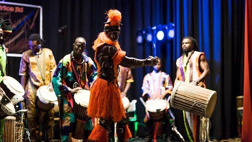 El grupo 'Osea de Percusión' de Senegal.